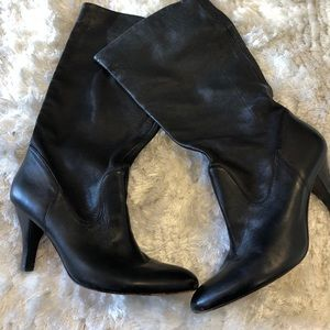 ARTURO CHIANG ALL LEATHER PRUDIE BOOT SIZE 8
